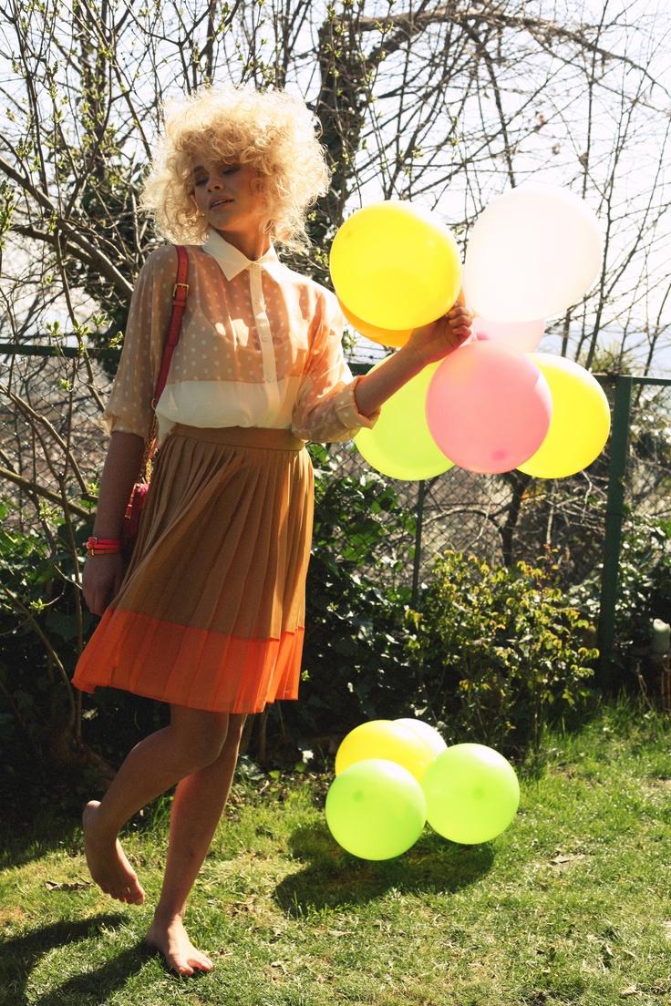 Çekim karelerini renklendiren balonlar