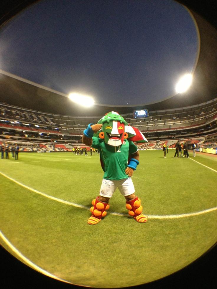 K n saludando a la afici n en el estadio azteca futbol for Puerta 1 estadio azteca