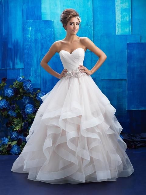 Igen Szalon Allure Bridals wedding dress- AB9408 #igenszalon #AllureBridals #weddingdress #bridalgown #eskuvoiruha #menyasszonyiruha #eskuvo #menyasszony #Budapest