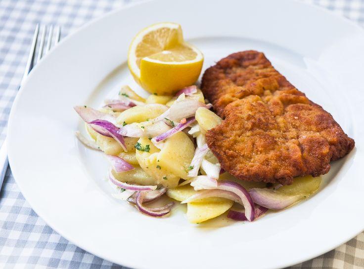Telecí řízek a vídeňský bramborový salát