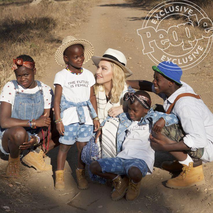 Madonna e filhos são capa da revista People com entrevista exclusiva