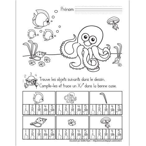 Fichier PDF téléchargeable En noir et blanc seulement 1 page L'enfant trouve et compte les objets dans le dessin. Il trace un X dans la bonne case.