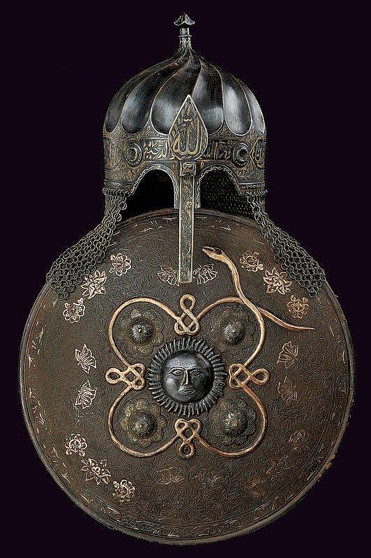 Casque-Turban Ottoman du 15eme siècle et bouclier du 19eme siècle
