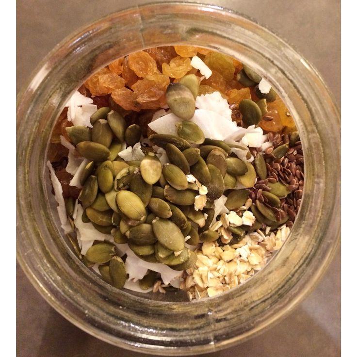 My latest Muesli combination features organic oats, raw pumpkin seeds, flax seeds, organic coconut flakes, and golden raisins  #smartfuel #smartfuelyyc #glutenfree #vegan #vegetarian #breakfast #detox #cleanse #calgary #healthyyyc #glutenfreeyyc #calgary #yycfood #nutrition #organic #weightloss #yyc