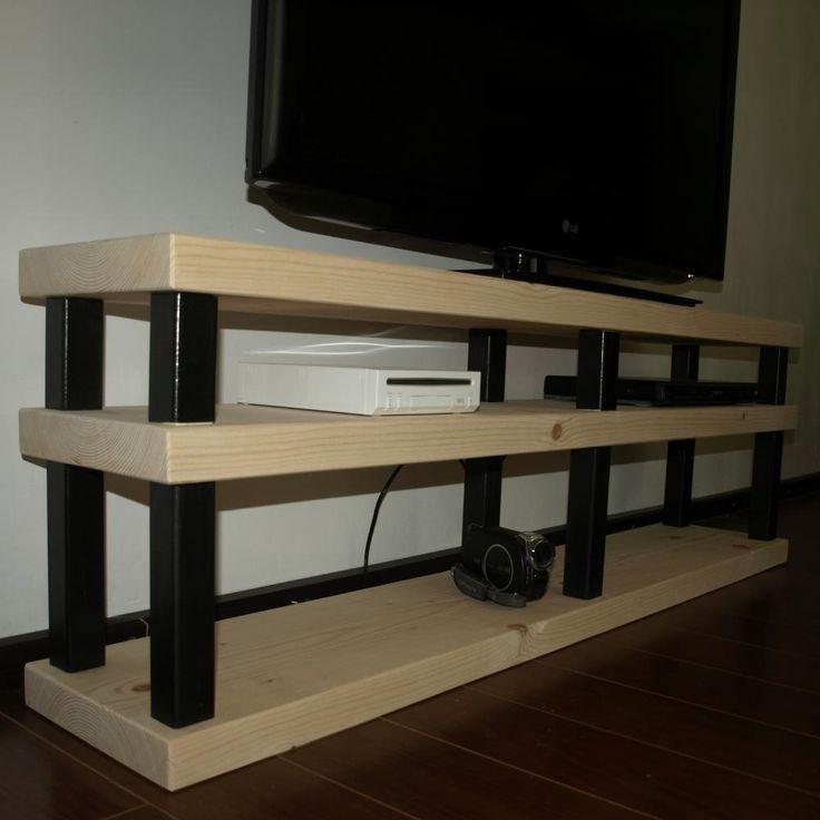 Stand multimedia pentru living room