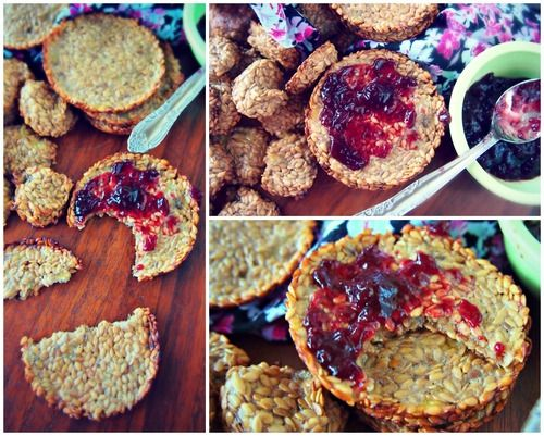 Undressed Skeleton: Banana Flax crackers, only 2 ingredients!