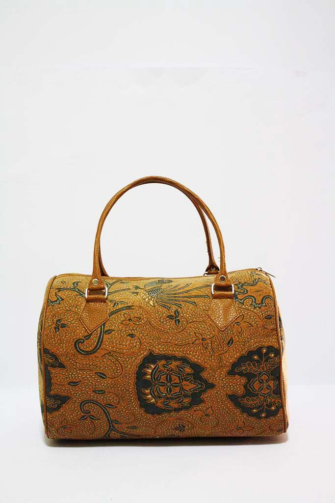 Laras Vinyl Lawasan Batik Handbag in bowler shape. Available at djokdjabatik.com for IDR 250000