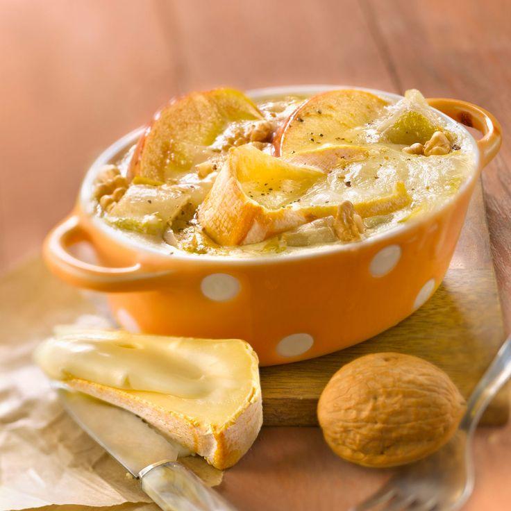Découvrez la recette du gratin d'endives et pommes au Reblochon et aux noix