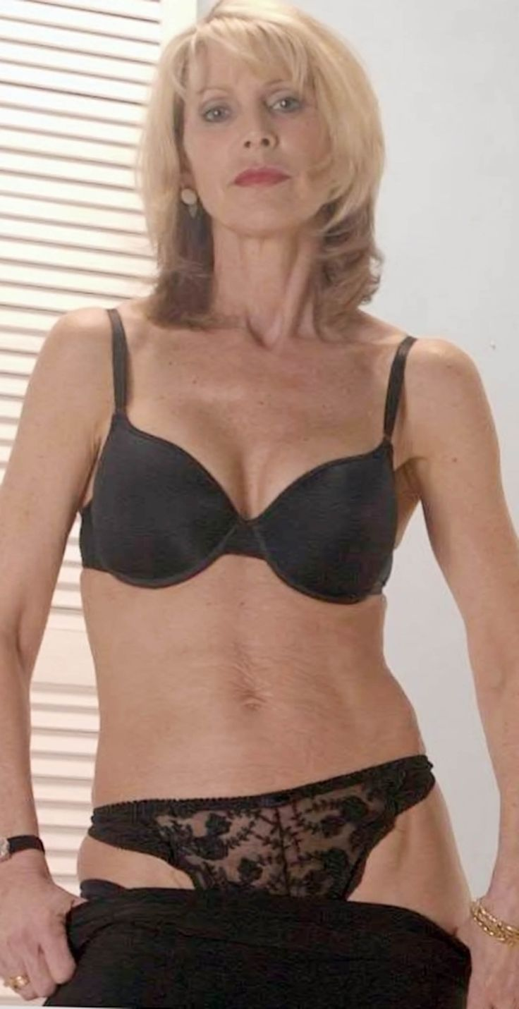 Lovely Blonde Mature Woman  Milf  Sexy Older Women, Old -5854