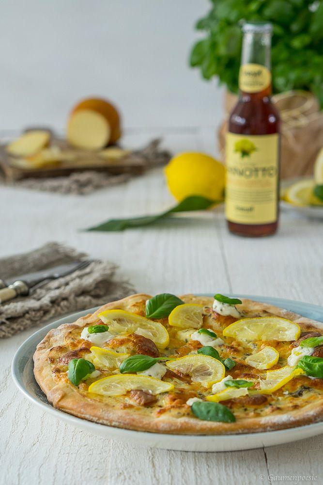 Zitronen Pizza. Ein Pizza Klassiker aus der Amalfi Küste. Würzig, herrlich cremig und dennoch sommerlich erfrischend.