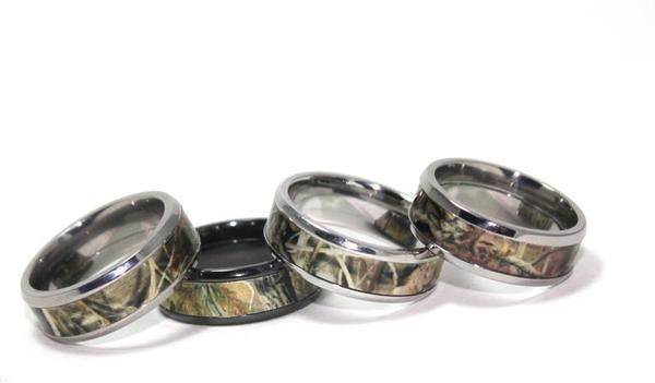 Men's wedding rings: Mossy Oak and Realtree patterns to inlay your favorite camouflage in a titanium setting