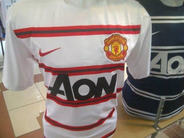 Jual Jersey Training Manchester United Warna Putih Grade Original