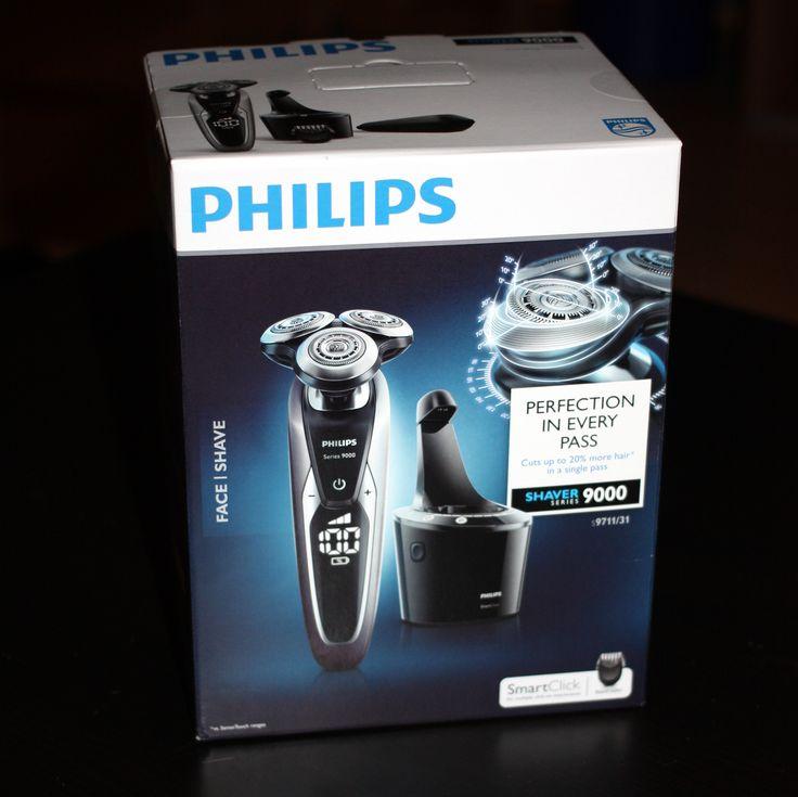 Der Philips S9711/31 ein doch eher vom Preis sehr hoch angesiedelter Rasierer ... Gestern bei uns eingetroffen .... mal schauen ob er dem Preis gerecht wird.