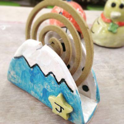 藤枝市陶芸センター・スタッフぶろぐ:陶器の蚊取り線香ホルダー。