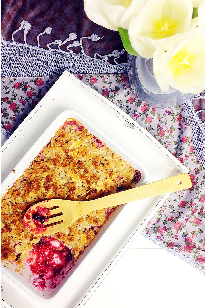 Gluten-free Apple crumble with forest fruits <3