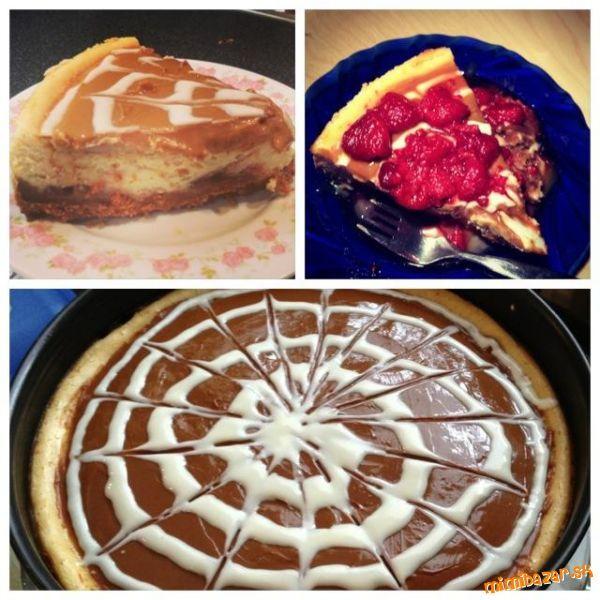 Keksy rozdrvíme, zmiešame s maslom a zmesou vystelieme tortovú formu.<br>Dáme piecť asi na 10 minút ...
