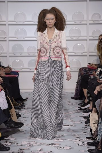 Bertrand Guyon's second Haute Couture collection for Schiaparelli - Silhouette 13