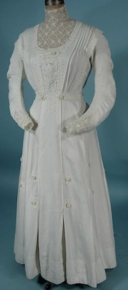 1910 Edwardian Lawn Gown of White Linen, Soutache and Irish Crochet