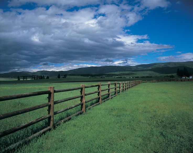 Montana Ranch: Never ending Fence