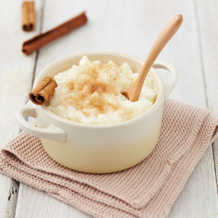 Facile à préparer, ce dessert va plaire à toute la famille. Petits et grands ne feront qu'une bouchée du riz au lait !
