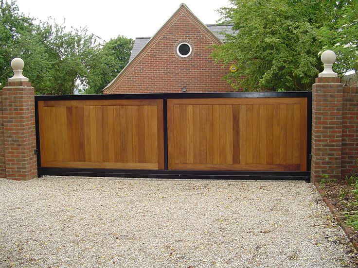 35 best images about motorised swing gate on pinterest for Single wooden driveway gates