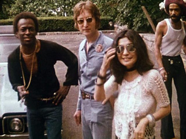 Vintage Footage Proves John Lennon Hosted The Best Parties Ever.  In July of 1971, a 31-year-old John Lennon celebrated the conclusion of the Imagine album recording sessions with a party like no other, held at Allen Klein's home in Riverdale. The below footage, mostly taken by friend Jonas Mekas (and included in his 1996 film Happy Birthday To John) shows party guests like Ringo Starr, Phil Spector, Allen Ginsberg, Miles Davis, Andy Warhol, Yoko Ono (of course) and many others. Check out…