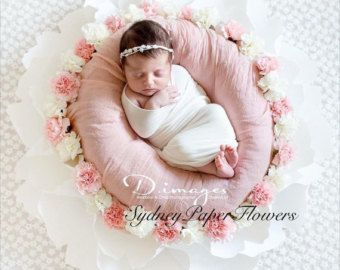 Newborn posing giant paper flower PEONY in plain WHITE  ATTENTION TO AUSTRALIAN PHOTOGRAPHERS Australia based photographers please contact seller via Etsy of email me info@MrsBow.com to get a quote as shipping costs vary from state to state and there is a huge difference.     Item description:   a single paper NewBorn photo prop giant flowers (PEONY) - Height from the floor - about 17 cm - Diameter - outer D is about 62 cm , inner D is about 30cm - Materials: petals and base - thick (216…