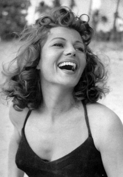 La simpatía iba de la mano de Rita Hayworth.