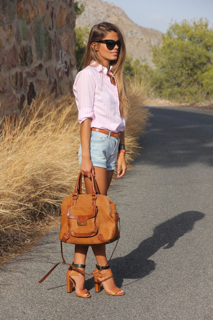 Dressed up jean shorts.: Shoes, Fashion Clothing, Brown Handbags, Summer Style, Brown Bags, Summer Outfits, Leather Handbags, Jeans Shorts, Denim Shorts