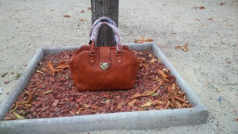 Cartera modelo LOISS $18.990
