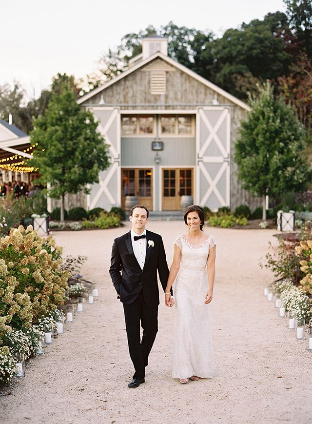 new england wedding venues on budget%0A October Wedding in Virginia at Pippin Hill