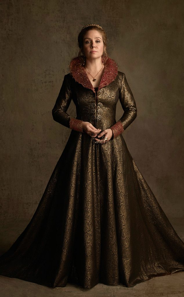 Queen Catherine (Megan Follows) in a new look for Season 2 of #Reign on the CW