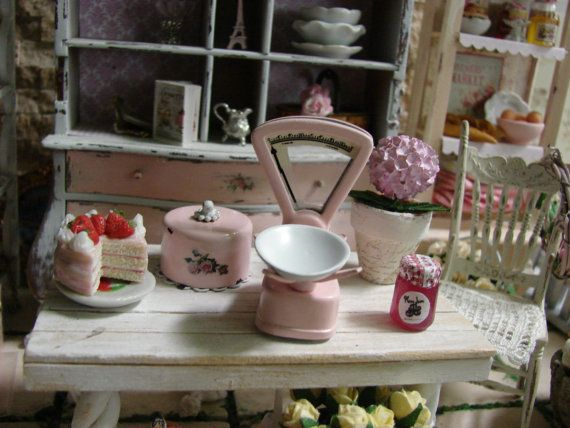 Dollhouse Miniature Shabby Chic Pink Metal Vintage Weight Scale, Shop Scale