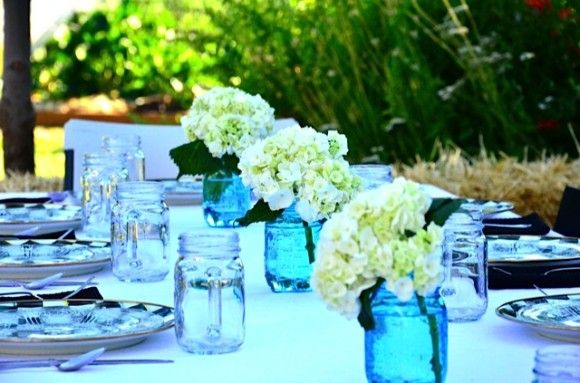 Outdoor entertaining with Hydrangea Tabletop | ReluctantEntertainer.com
