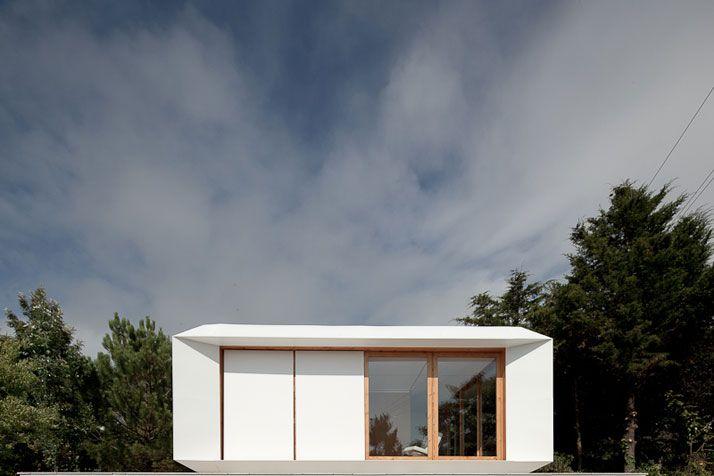 MIMA House by MIMA Architects: Interiors Wall, Mima Architects, Mima Labs, Prefabricated House, Modern Architecture, Mima House, House Doors, Small House, House Art