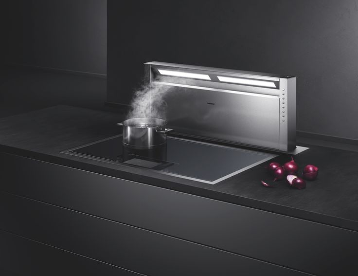 The fully retractable table ventilation AL 400 is perfect for cooking islands or large open-plan rooms. It quietly removes vapours and odours as soon as they appear and can be hidden away when not in use.