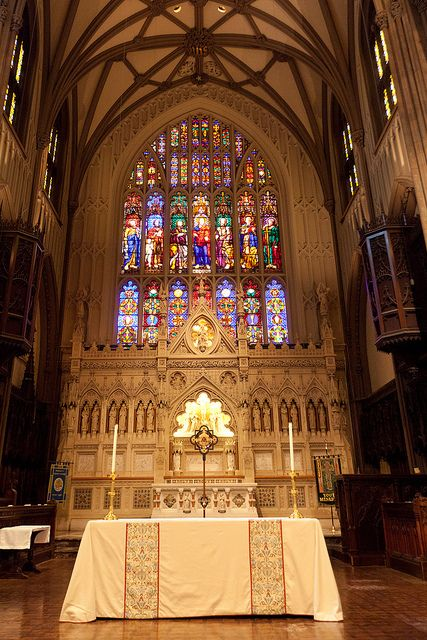 Trinity Church - the windows are made with the first stained glass made in America. This is the 3rd building, finished in 1848. The church was chartered in 1695.