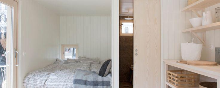 Våra höga modeller har också en loftvåning. Loftets höjd och utformning anpassas till det tak du väljer och de funktioner du önskar under loftet. Om du önskar kan loftet utformas med barnsäker spaljé och skjutbar stege i massivt trä.