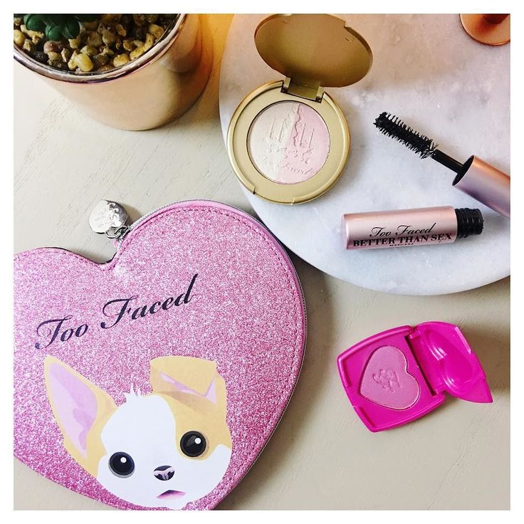 Have you been to @debenhams to get your hands on the @toofaced @katvondbeauty Better Together collab? Aside from the palette the purse featuring deluxe minis from TF and KVD is available as well as the set with the TF Better Than Sex mascara and KVD Tattoo Liner!
