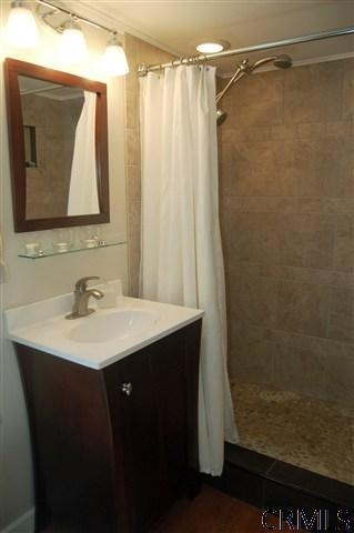 Stand up showers stand up and small bathrooms on pinterest for Standing shower bathroom ideas