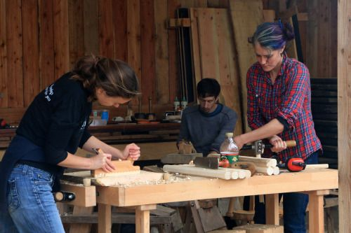 A few photos of the latest weekend stool making course.   I...