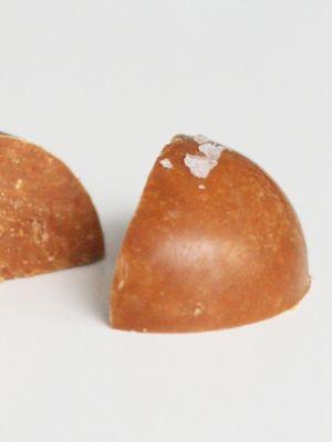 Vidste du, at du kan trylle hvid chokolade om til den lækreste karamel?