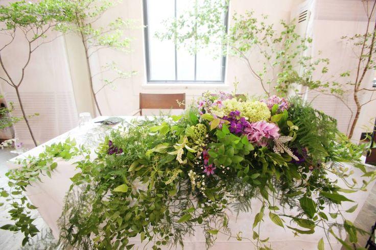 緑たっぷりの会場装花 – ウェディングブーケと装花|京都|Le Lundi ル・ランディ