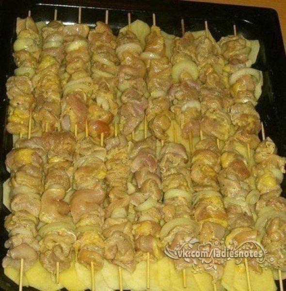Куриный шашлык с картошкой в духовке | Женский журнал