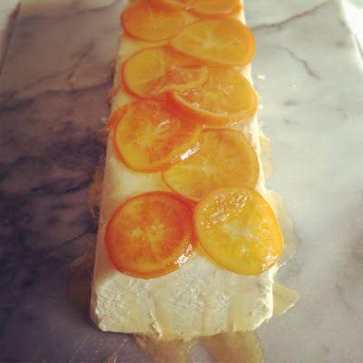 hoge hakken: Semifreddo met witte chocola en versuikerde mandarijntjes