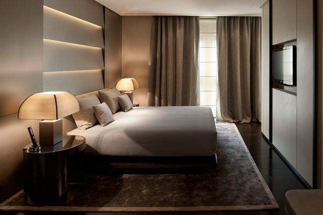 ARMANI HOTEL MILANO http://www.actuweek.com/go/hotel/hotelscombined.php                                                                                                                                                                                 Más
