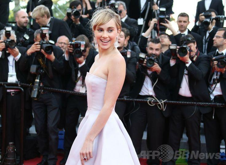 第67回カンヌ国際映画祭(Cannes Film Festival)で映画『The Homesman』の公式上映に出席した女優のスキ・ウォーターハウス(Suki Waterhouse、2014年5月18日撮影)。(c)AFP/LOIC VENANCE ▼26May2014AFP|<第67回カンヌ国際映画祭>「クリスチャン ディオール」を着用したセレブをチェック! http://www.afpbb.com/articles/-/3015602 #Cannes_Film_Festival_2014 #Suki_Waterhouse