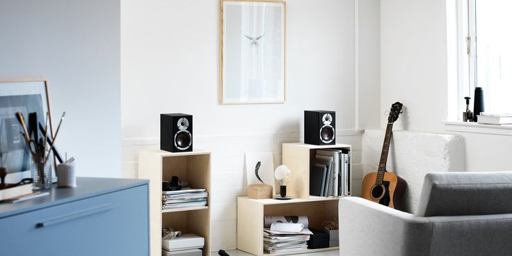 SPEKTOR 1 is a ultra-compact speaker - perfect for almost any situation that requires a small but well performing bookshelf speaker. Use it as front, rear or as side speakers in a surround system, or alone in a compact stereo setup.