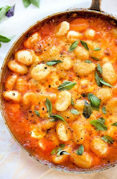 Low FODMAP Recipe and Gluten Free Recipe - Gnocchi with creamy tomato & spinach sauce    http://www.ibs-health.com/low_fodmap_gnocchi_tomato_spinach_sauce.html
