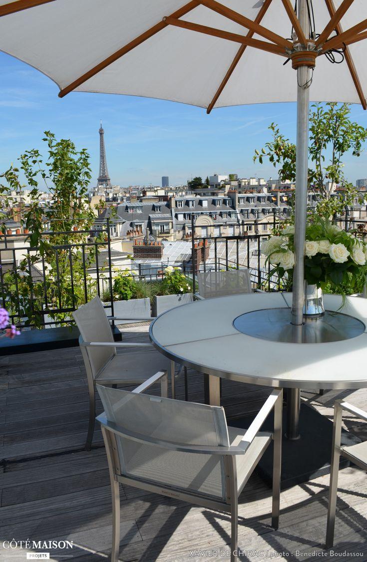 Un jardin de fleurs sur le toit d 39 un appartement for Jardin terrasse appartement